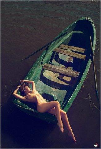 al pasar la barca le dije al barquero, las niñas bonitas hacemos lo que queremos