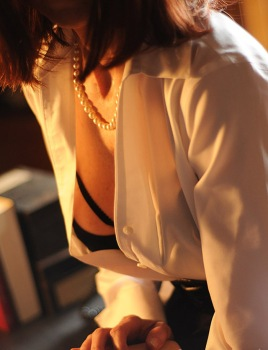 camisa and pearls - copia